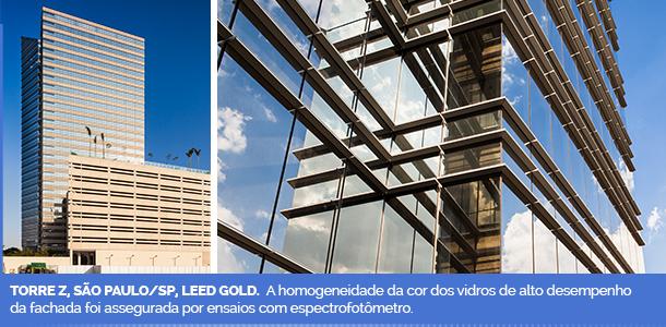 Torre Z, São Paulo/SP, Leed Gold. A homogeneidade da cor dos vidros de alto desempenho da fachada foi assegurada por ensaios com espectrofotômetro.